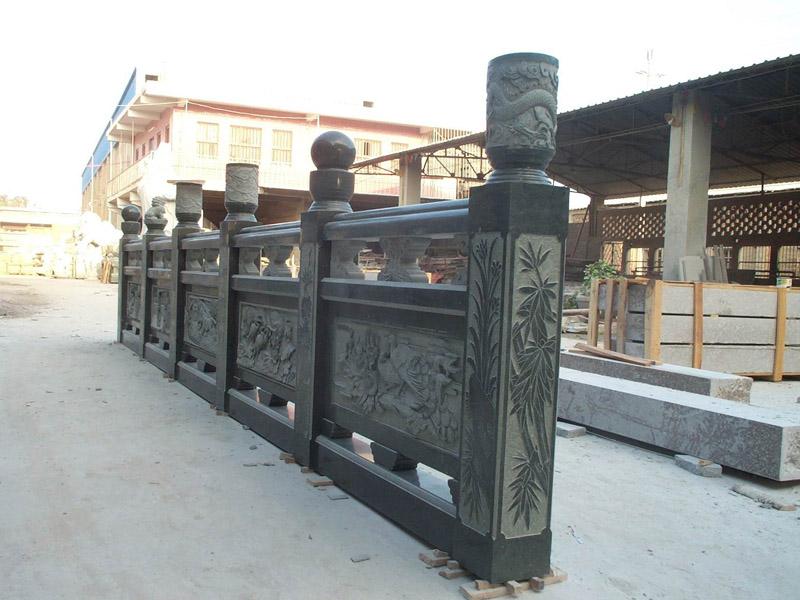 物美价廉的石栏杆材质是首选